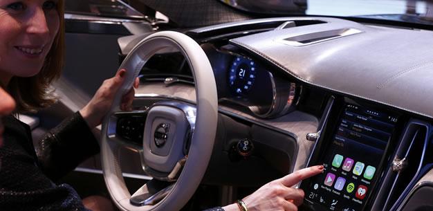 Apple lleva iOS a los automóviles con el sistema CarPlay