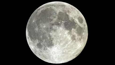 Nuevo método señala ''la verdadera edad de la Luna''